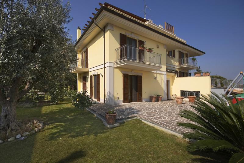 Villa in vendita a San Benedetto del Tronto, 6 locali, prezzo € 600.000 | Cambio Casa.it