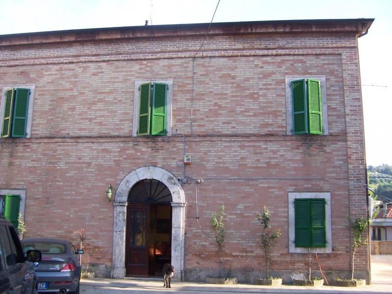 Villa in vendita a San Benedetto del Tronto, 15 locali, zona Località: Paesealto, prezzo € 1.150.000 | CambioCasa.it