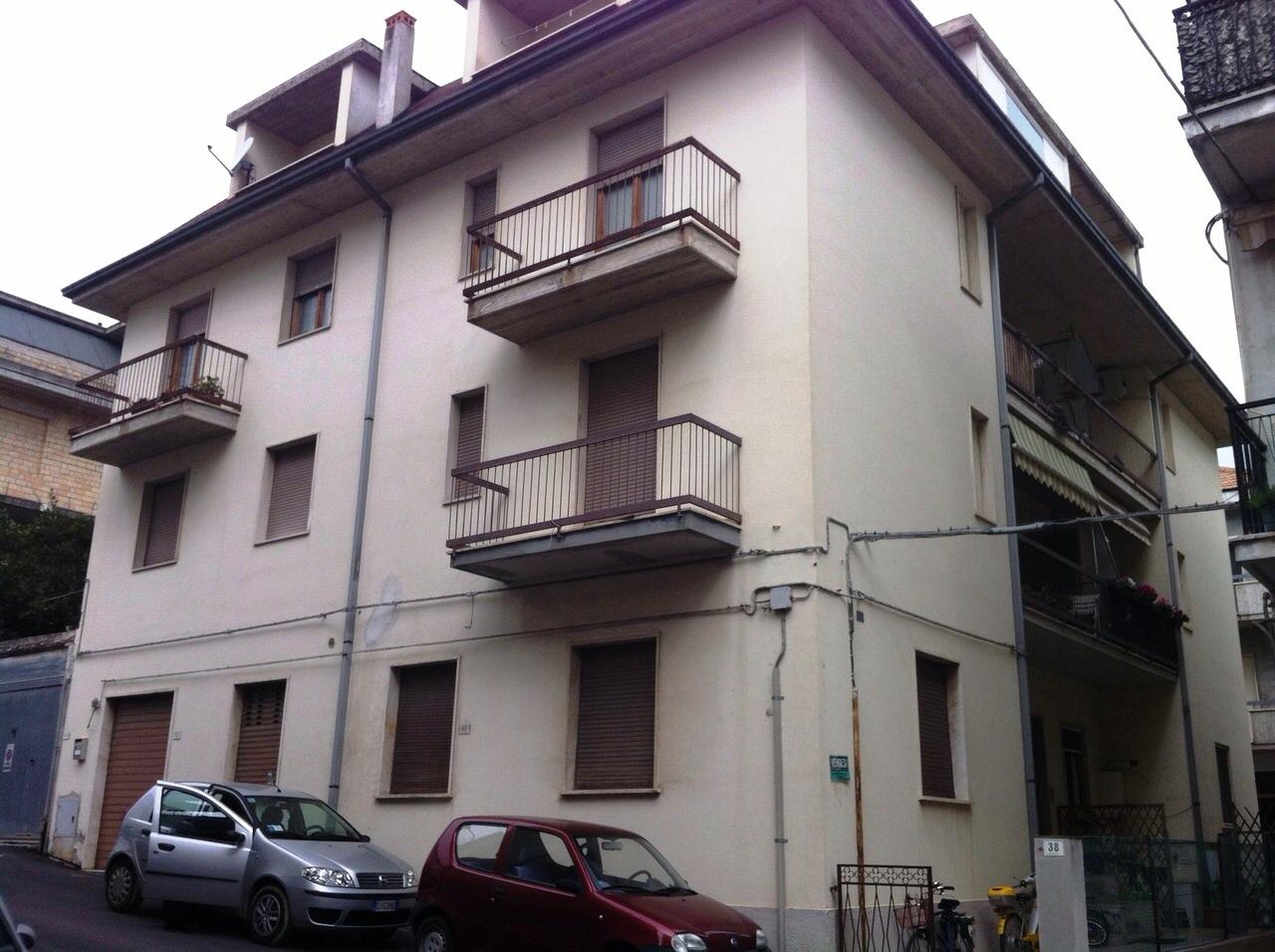 Appartamento in vendita a San Benedetto del Tronto, 4 locali, zona Località: S.aLucia, prezzo € 170.000 | CambioCasa.it
