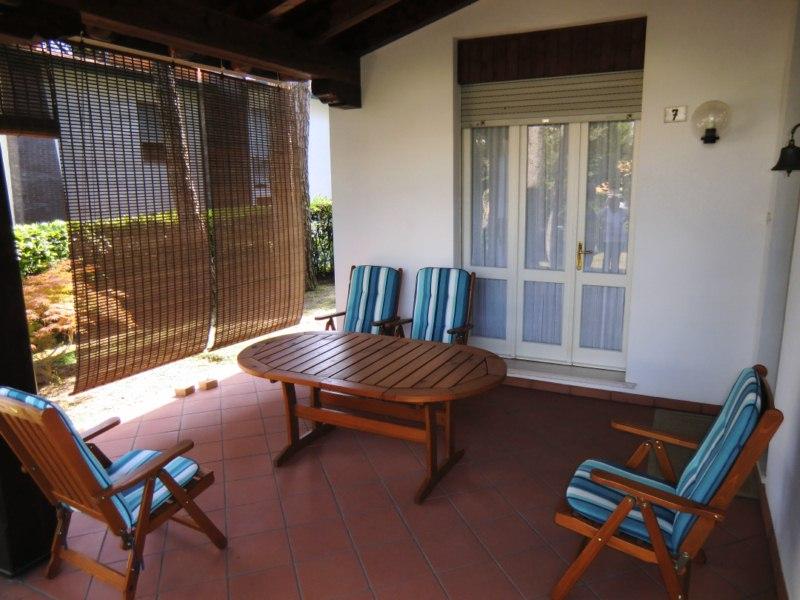 Villa in vendita a Lignano Sabbiadoro, 9 locali, zona Località: LignanoPineta, prezzo € 430.000 | Cambio Casa.it