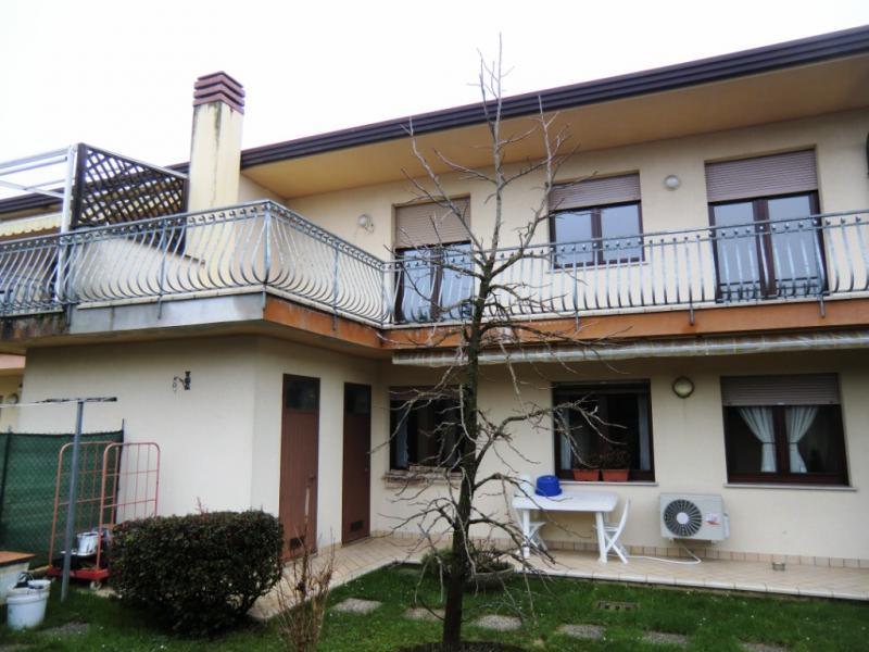 Appartamento in affitto a Ronchis, 5 locali, prezzo € 500 | Cambio Casa.it