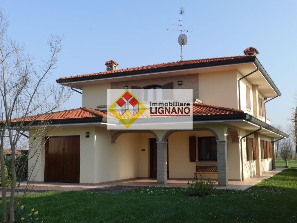 Villa in vendita a San Michele al Tagliamento, 10 locali, prezzo € 350.000 | Cambio Casa.it