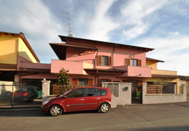 Soluzione Indipendente in vendita a Vercelli, 4 locali, prezzo € 300.000 | Cambio Casa.it