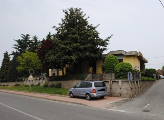 Soluzione Indipendente in vendita a Palestro, 9 locali, prezzo € 280.000 | Cambio Casa.it