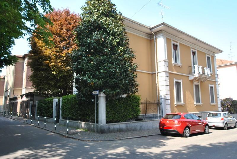 vendita casa indipendente vercelli 10 430  tratt. ris.