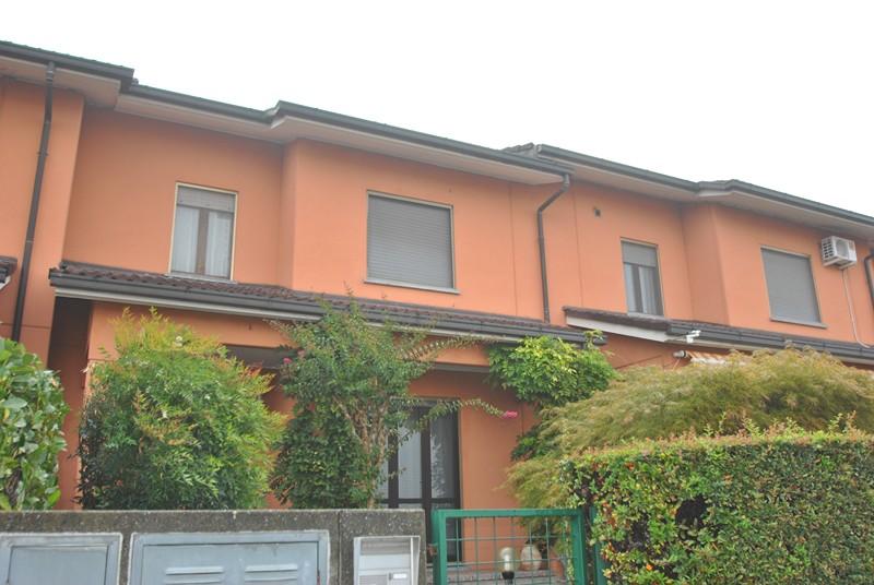 vendita casa indipendente vercelli 5 155  200.000 €