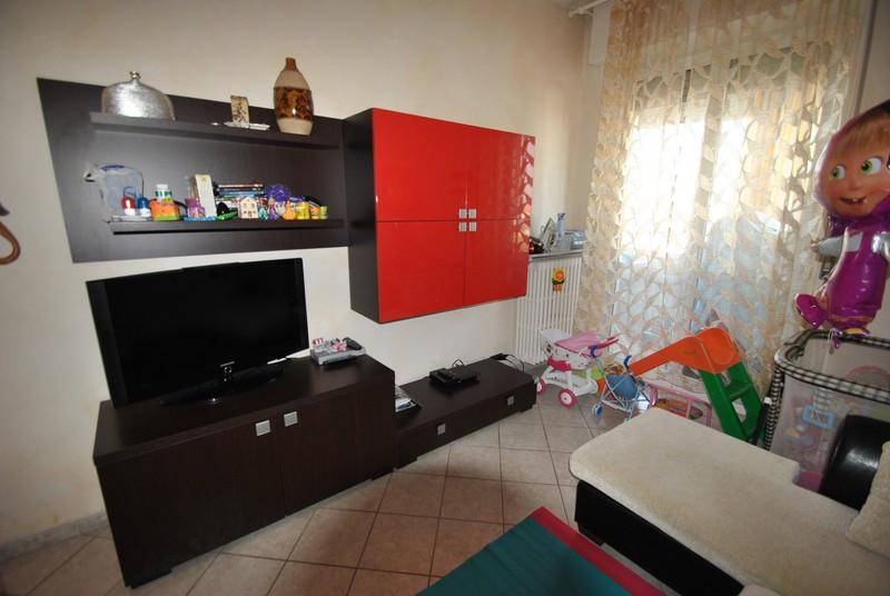 Bilocale Vercelli Via Cadore 2