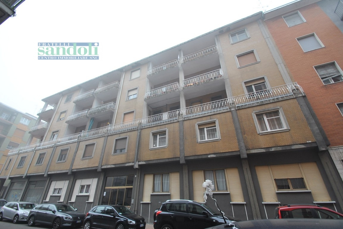 Bilocale Vercelli Via Petrarca 9