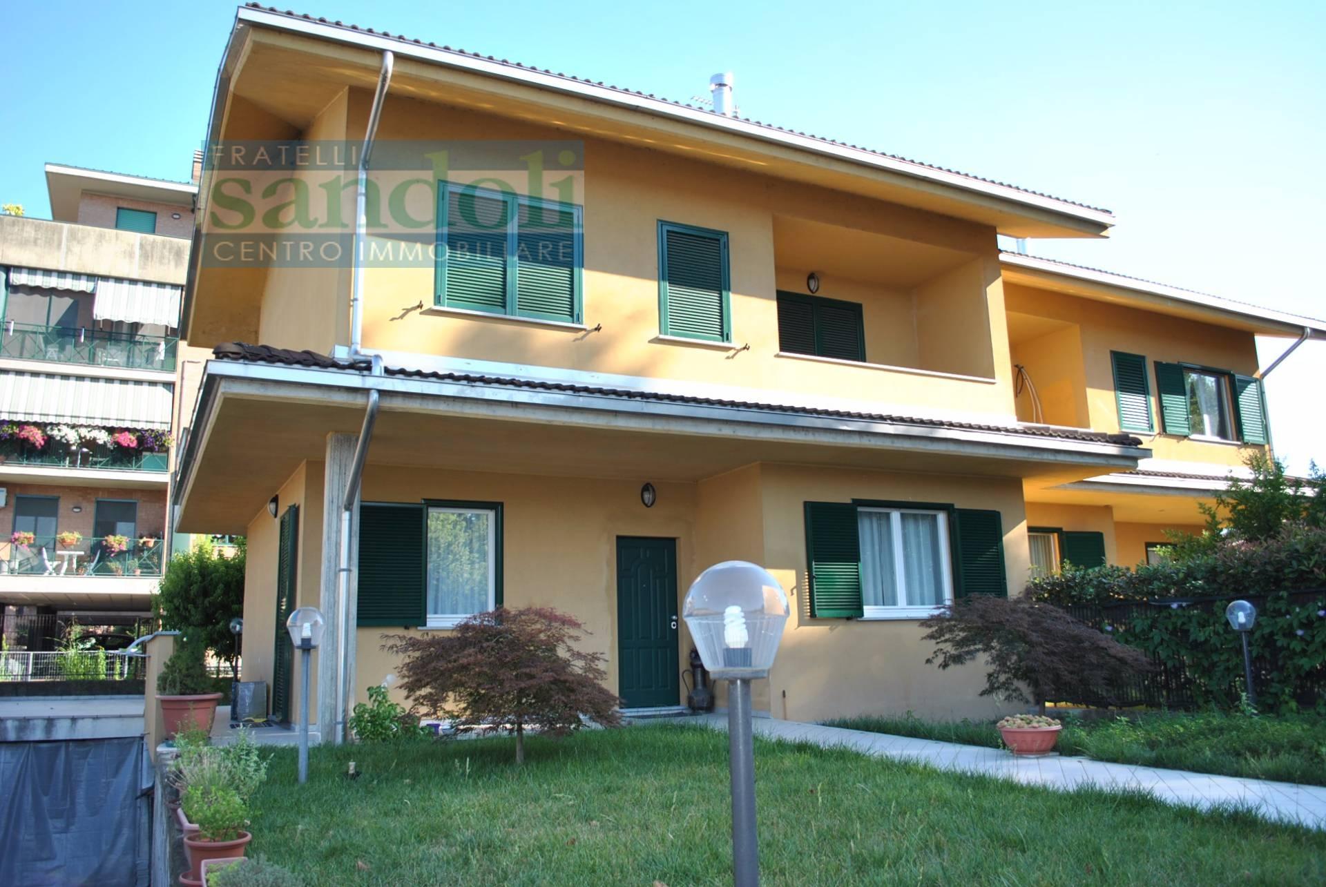 vendita casa indipendente vercelli 4 150  tratt. ris.