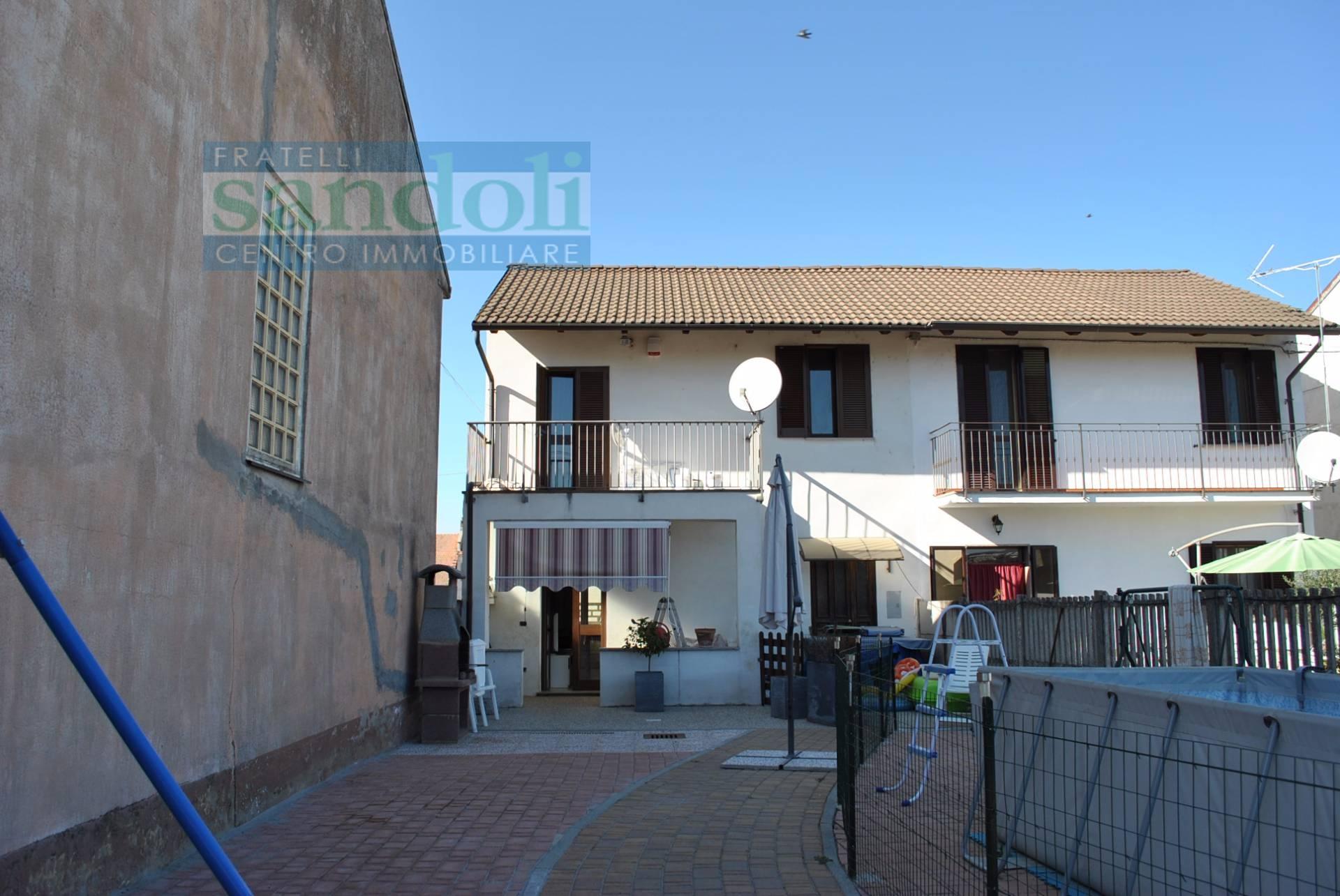 vendita casa indipendente prarolo 3 80  80.000 €