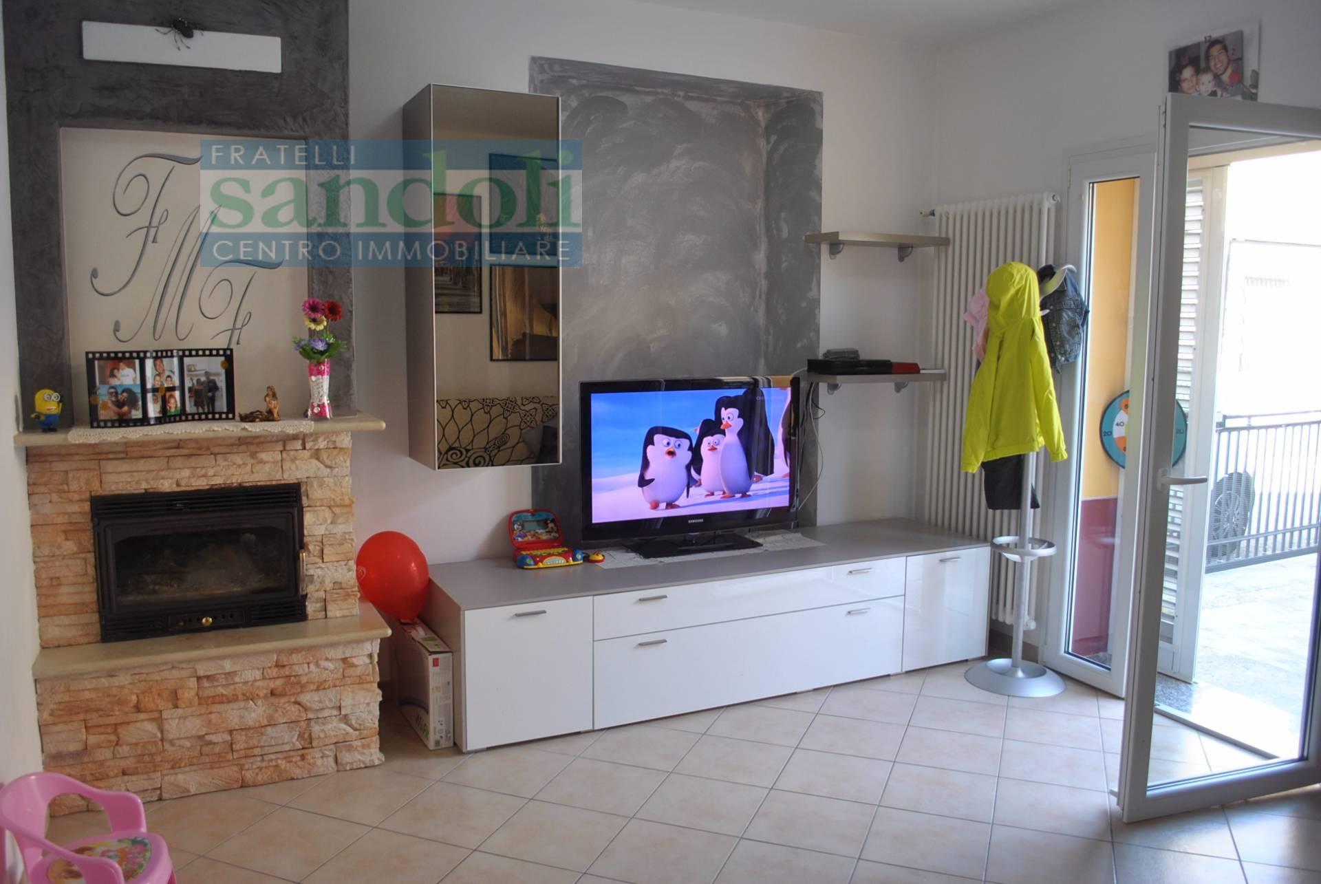 vendita casa indipendente tricerro 3 100  tratt. ris.