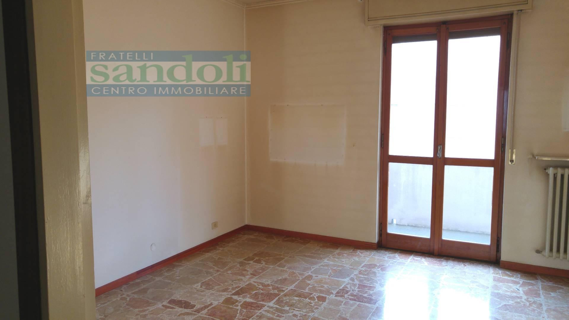 Bilocale Vercelli Via Trino 4