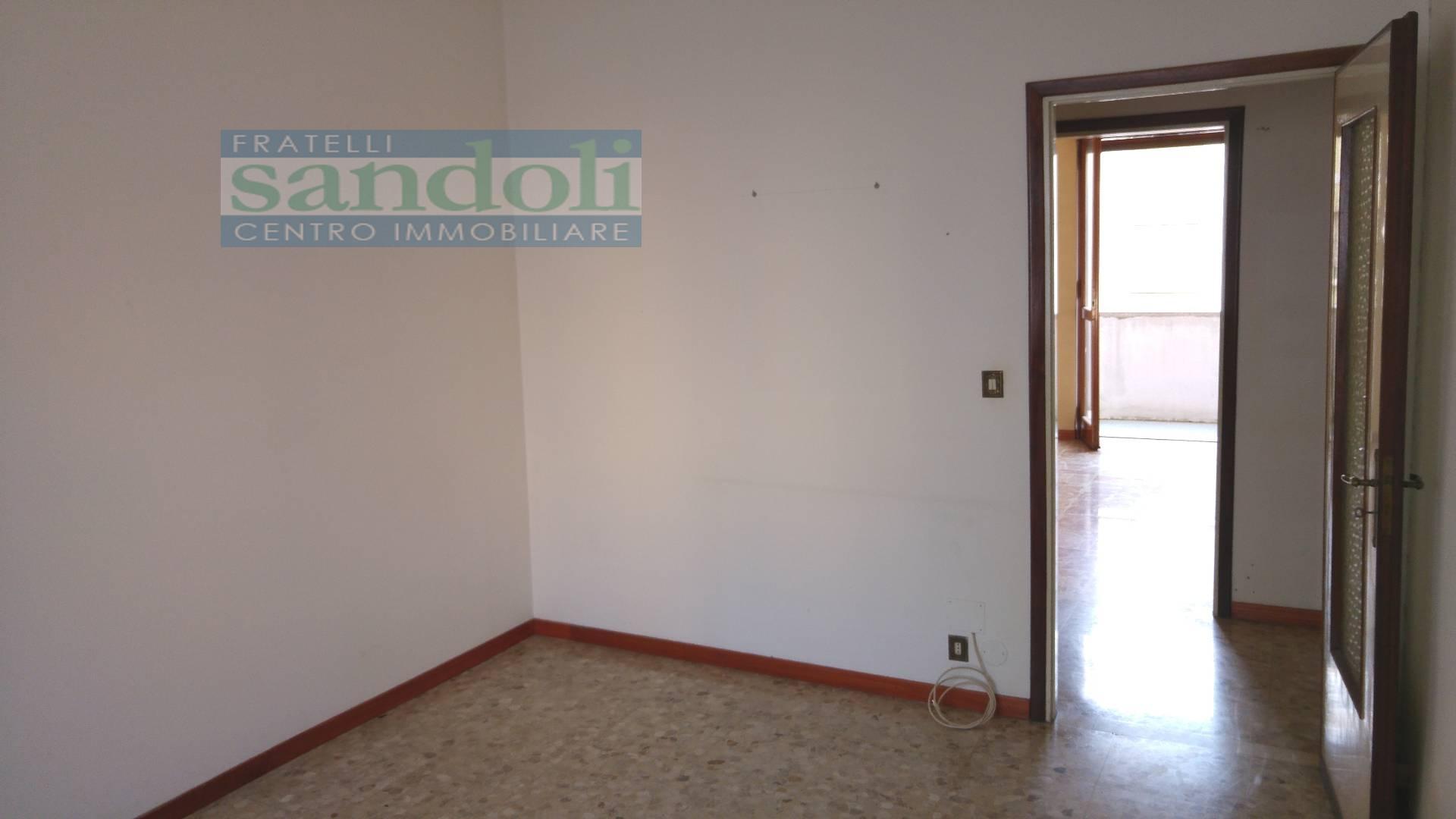 Bilocale Vercelli Via Trino 6