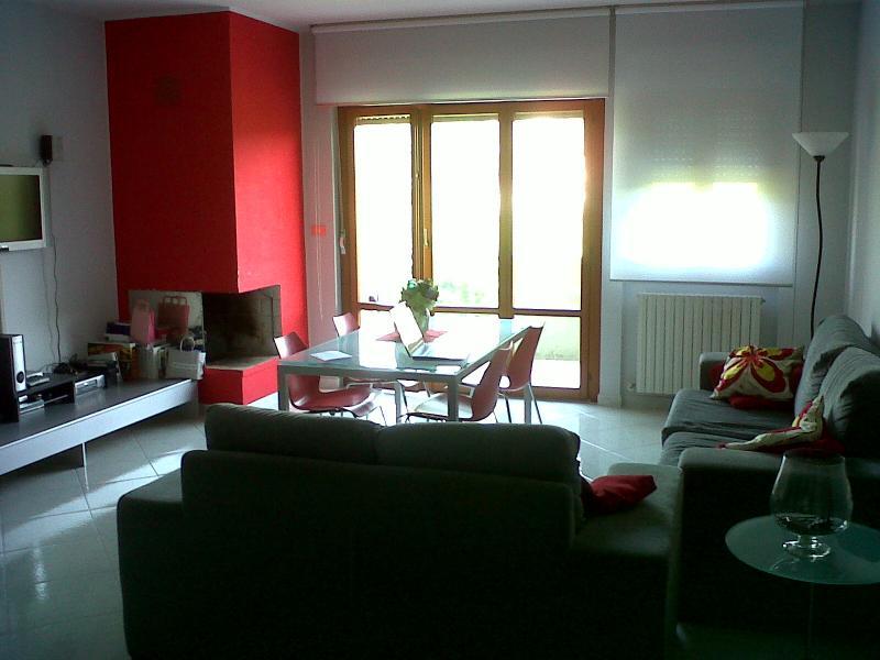 Appartamento in vendita a Ascoli Piceno, 4 locali, zona Località: PortaRomana, prezzo € 170.000 | CambioCasa.it