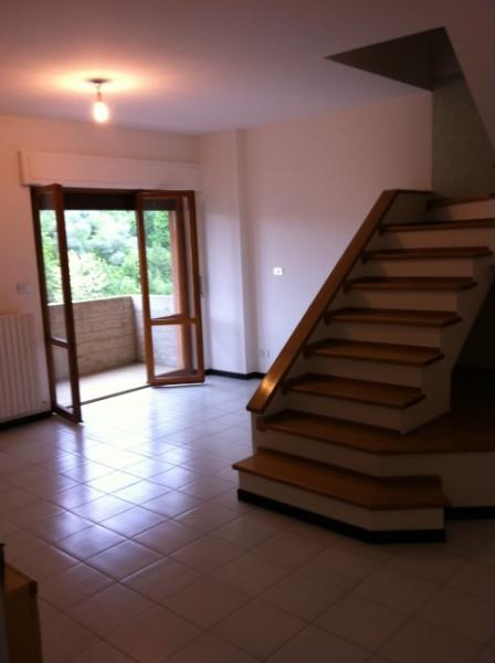 Appartamento in vendita a Folignano, 3 locali, zona Località: VillaPigna, prezzo € 95.000 | Cambio Casa.it