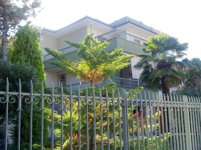 Villa Bifamiliare in Vendita a Osimo
