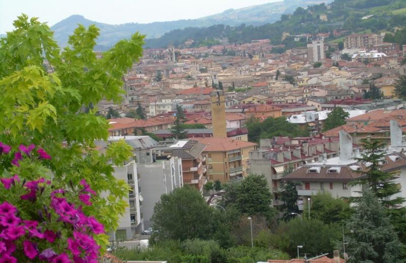 Villa in vendita a Ascoli Piceno, 9 locali, Trattative riservate | CambioCasa.it