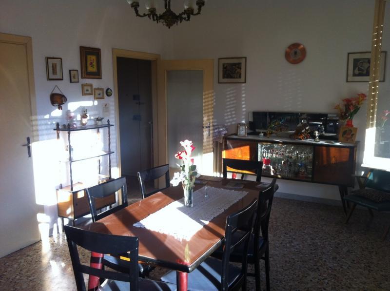 Appartamento in vendita a Ascoli Piceno, 4 locali, zona Località: CampoParignano, prezzo € 160.000 | CambioCasa.it