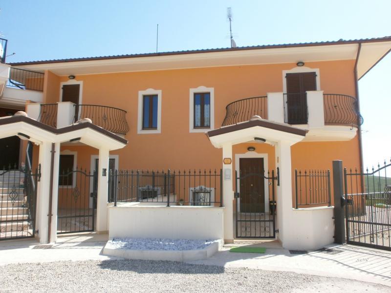 Villa a Schiera in vendita a Appignano del Tronto, 4 locali, prezzo € 269.000 | Cambio Casa.it