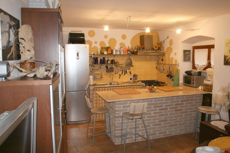 Appartamento in vendita a Ascoli Piceno, 3 locali, zona Località: CentroStorico, prezzo € 150.000   Cambio Casa.it