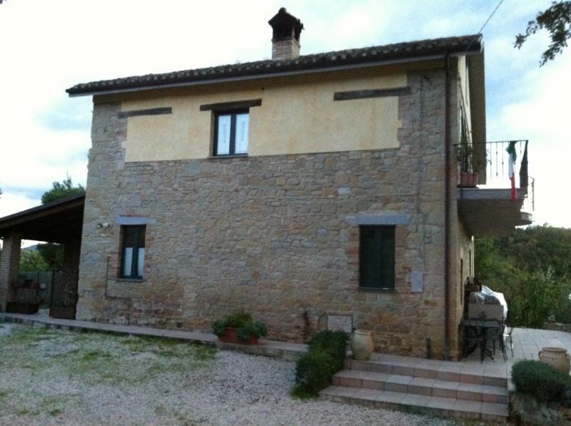 Rustico / Casale in vendita a Venarotta, 5 locali, zona Zona: Cerreto, Trattative riservate | CambioCasa.it