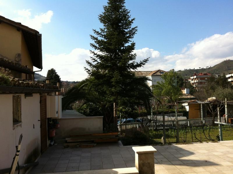 Appartamento in vendita a Ascoli Piceno, 3 locali, zona Località: CentroStorico, prezzo € 98.000 | CambioCasa.it