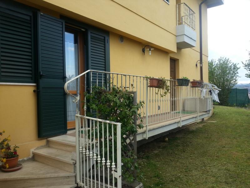 Villa in vendita a Ascoli Piceno, 12 locali, zona Località: PortaMaggiore, prezzo € 700.000 | CambioCasa.it