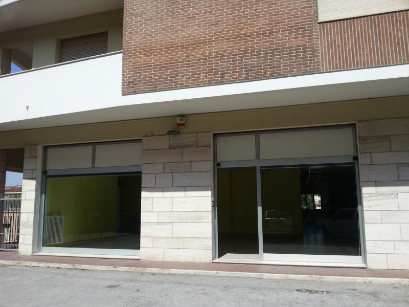 Negozio / Locale in vendita a Jesi, 9999 locali, Trattative riservate | CambioCasa.it
