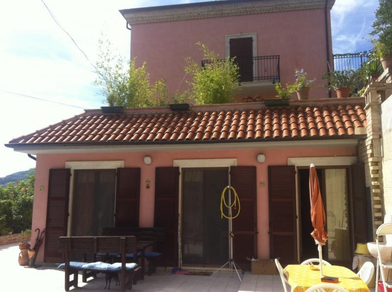 Appartamento in vendita a Ascoli Piceno, 3 locali, zona Località: Monterocco, prezzo € 185.000 | Cambio Casa.it