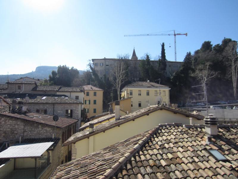 Appartamento in vendita a Ascoli Piceno, 4 locali, zona Località: CentroStorico, prezzo € 240.000 | CambioCasa.it