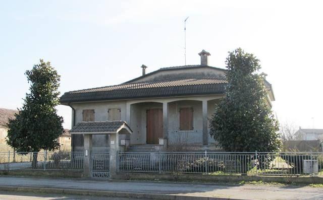 Villa in vendita a Gaiba, 6 locali, prezzo € 179.000 | Cambio Casa.it