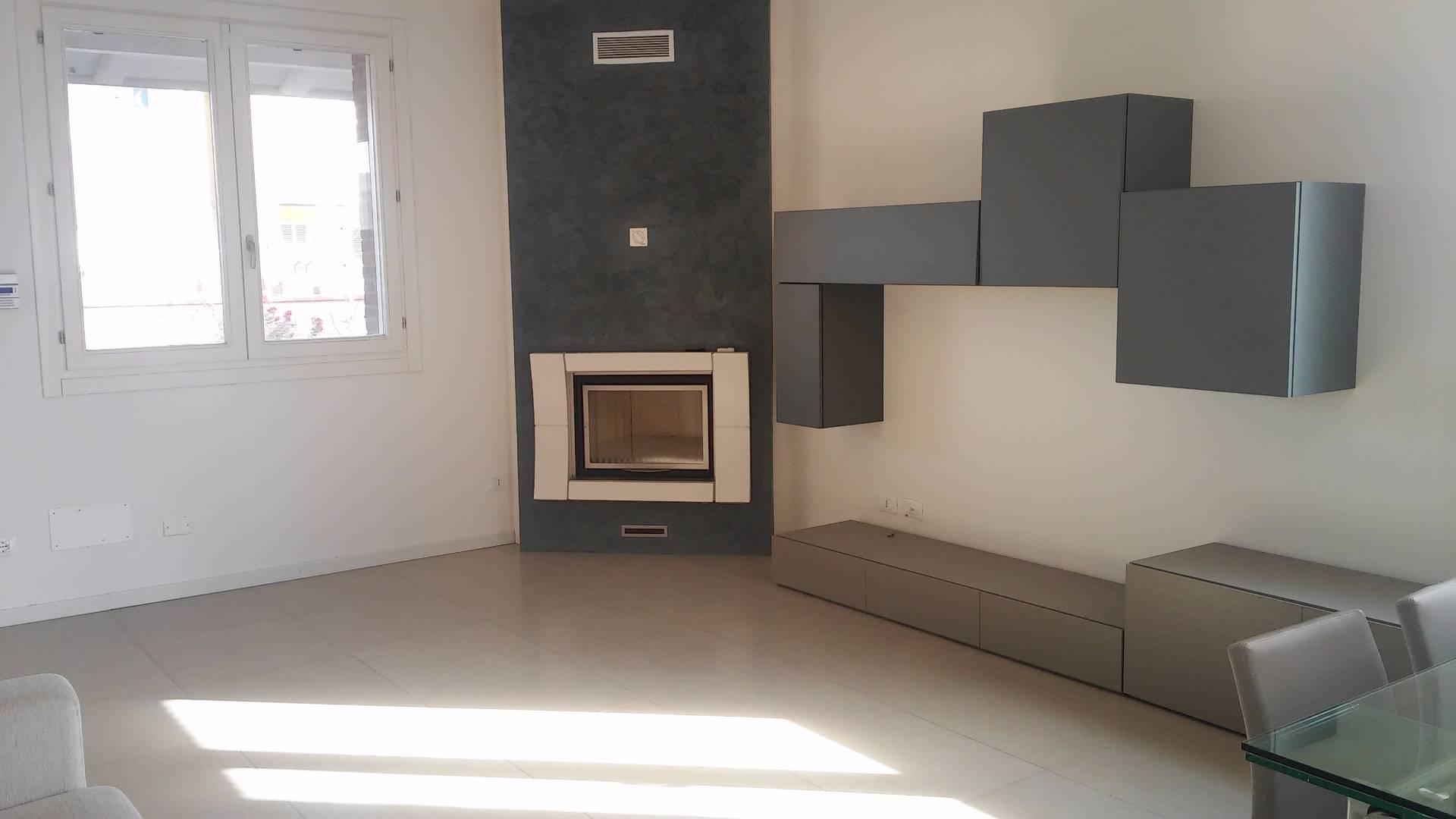 Villa Bifamiliare in affitto a Vigarano Mainarda, 5 locali, zona Località: MadonnaBoschi, prezzo € 1.600 | Cambio Casa.it