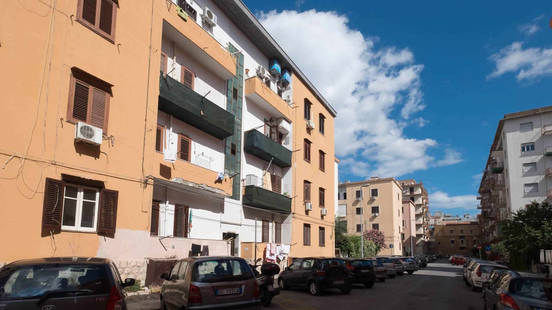 Bilocale Palermo Via Carlo Alberto Garufi 1