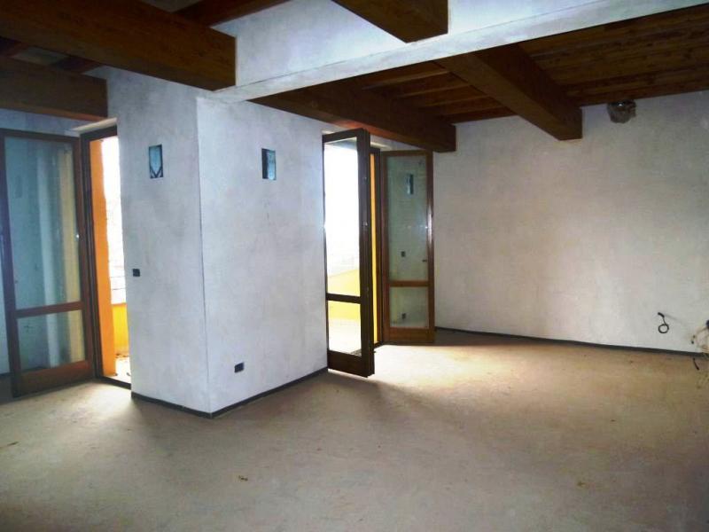 Appartamento in vendita a Loro Ciuffenna, 5 locali, zona Zona: Centro, prezzo € 260.000 | Cambio Casa.it