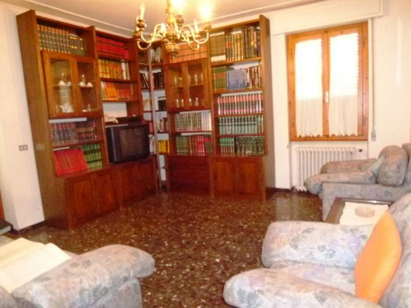 Soluzione Indipendente in vendita a Terranuova Bracciolini, 16 locali, zona Zona: Cicogna, prezzo € 350.000   Cambio Casa.it