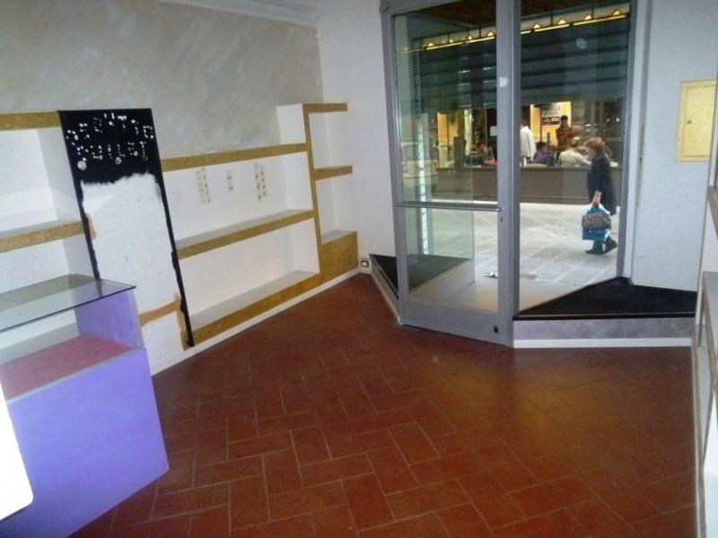 Negozio / Locale in affitto a Montevarchi, 9999 locali, zona Zona: Centro, prezzo € 500 | Cambio Casa.it