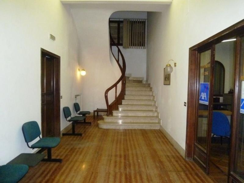 Villa in vendita a Montevarchi, 7 locali, zona Zona: Centro, Trattative riservate | Cambio Casa.it