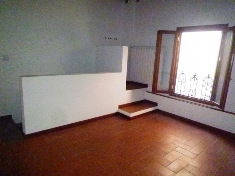 Negozio / Locale in affitto a Cavriglia, 9999 locali, zona Zona: Centro, prezzo € 1.000 | CambioCasa.it