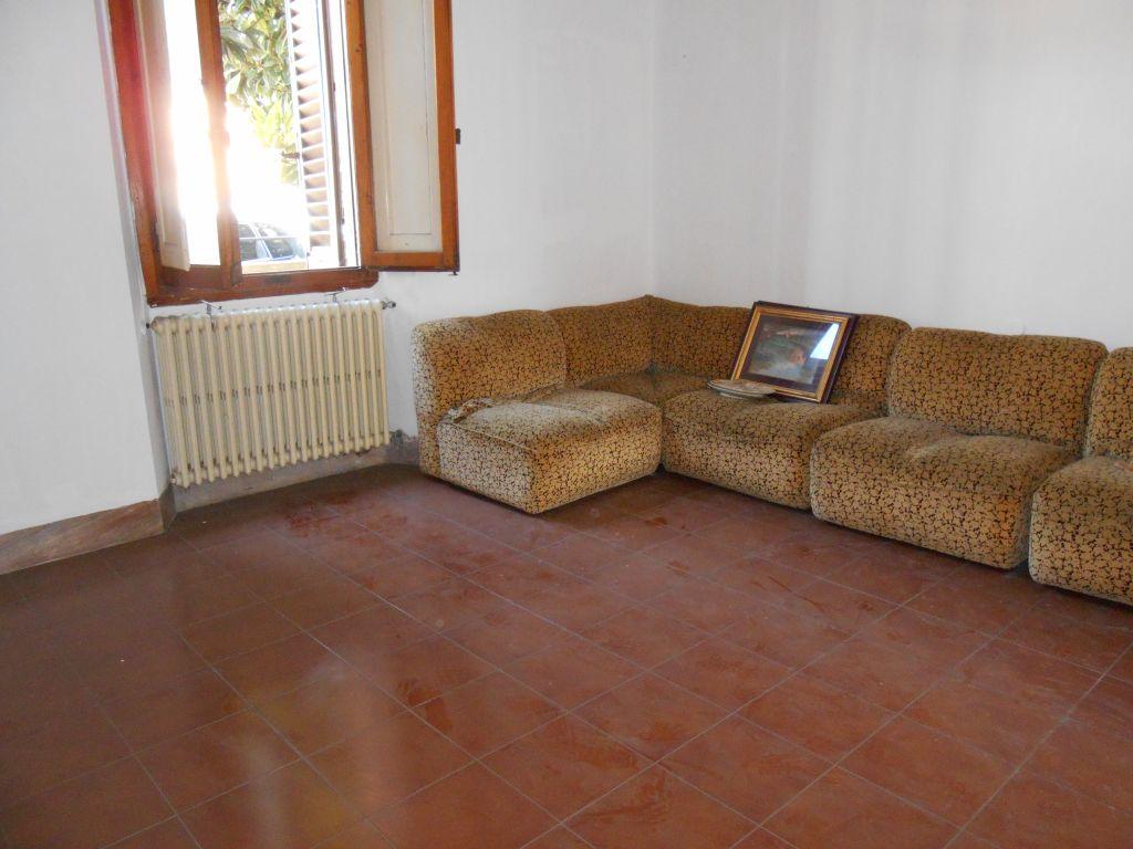 Appartamento in affitto a San Giovanni Valdarno, 4 locali, prezzo € 550 | Cambiocasa.it