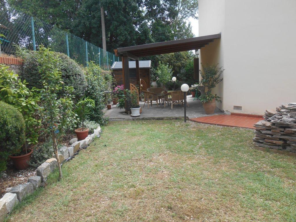 Villa in vendita a Terranuova Bracciolini, 5 locali, prezzo € 220.000 | Cambio Casa.it
