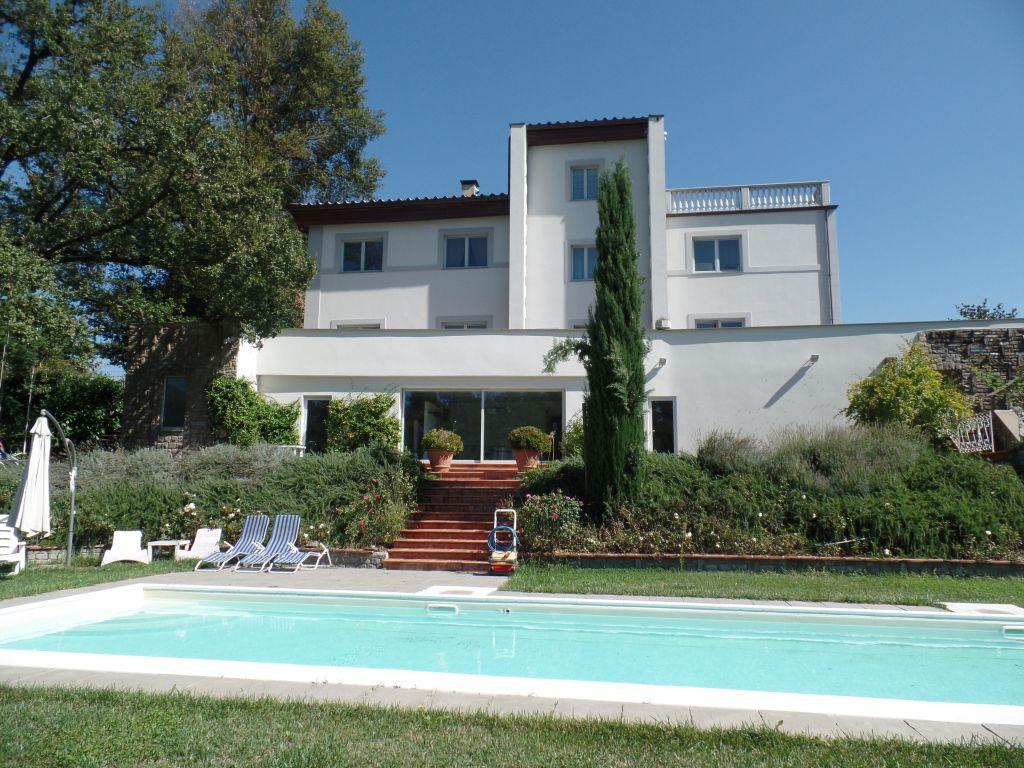 Villa in vendita a Terranuova Bracciolini, 20 locali, Trattative riservate | Cambio Casa.it