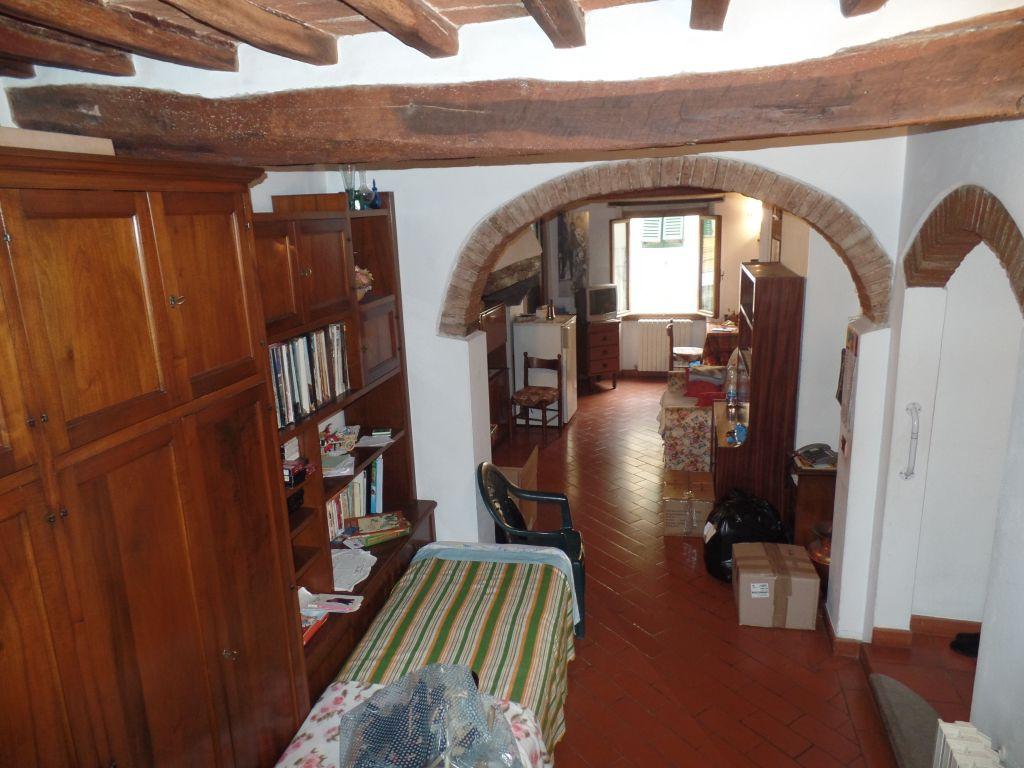 Appartamento in affitto a San Giovanni Valdarno, 3 locali, prezzo € 450 | Cambiocasa.it