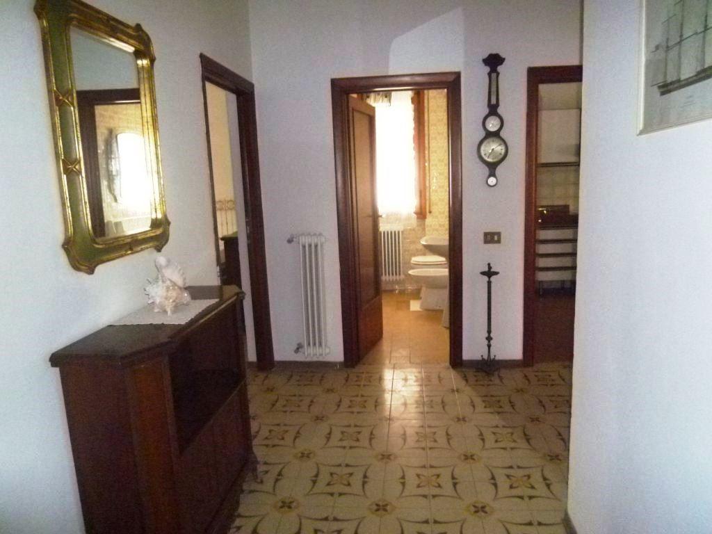 Appartamento in affitto a San Giovanni Valdarno, 3 locali, prezzo € 450   Cambiocasa.it