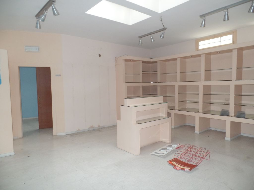 Negozio / Locale in vendita a San Giovanni Valdarno, 9999 locali, prezzo € 100.000 | Cambio Casa.it