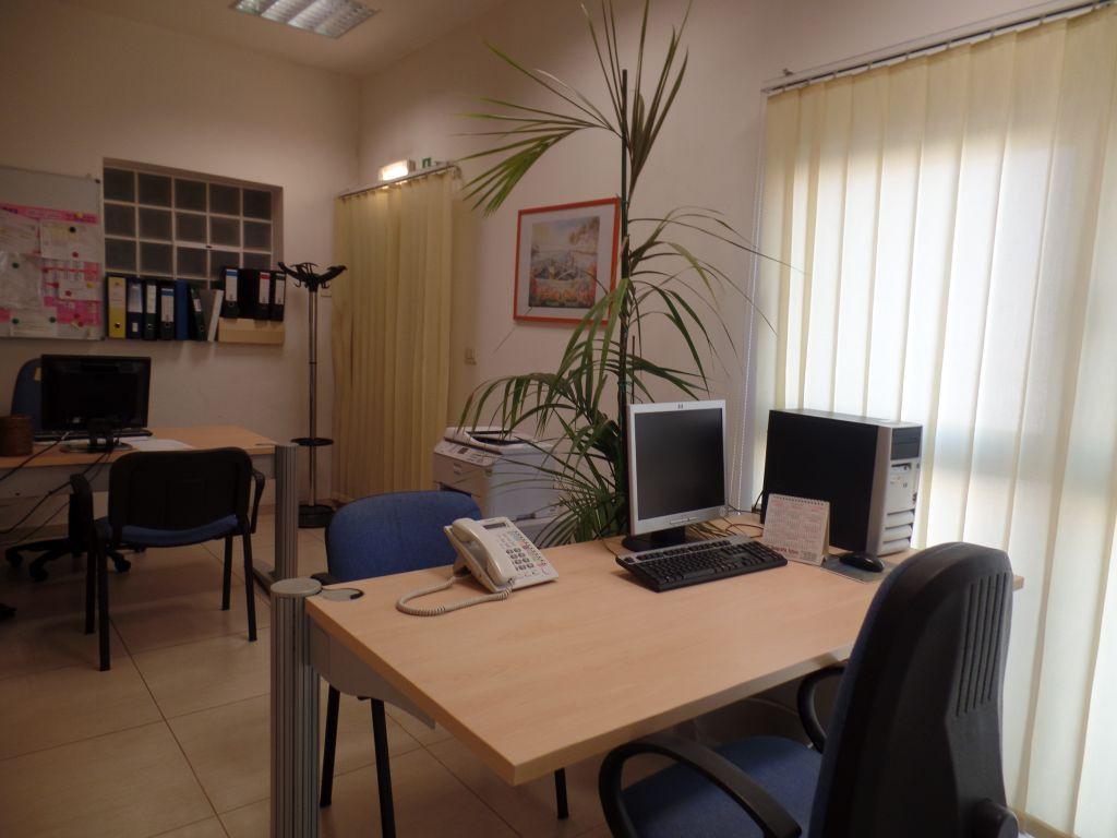 Ufficio / Studio in affitto a Montevarchi, 9999 locali, prezzo € 500   Cambio Casa.it