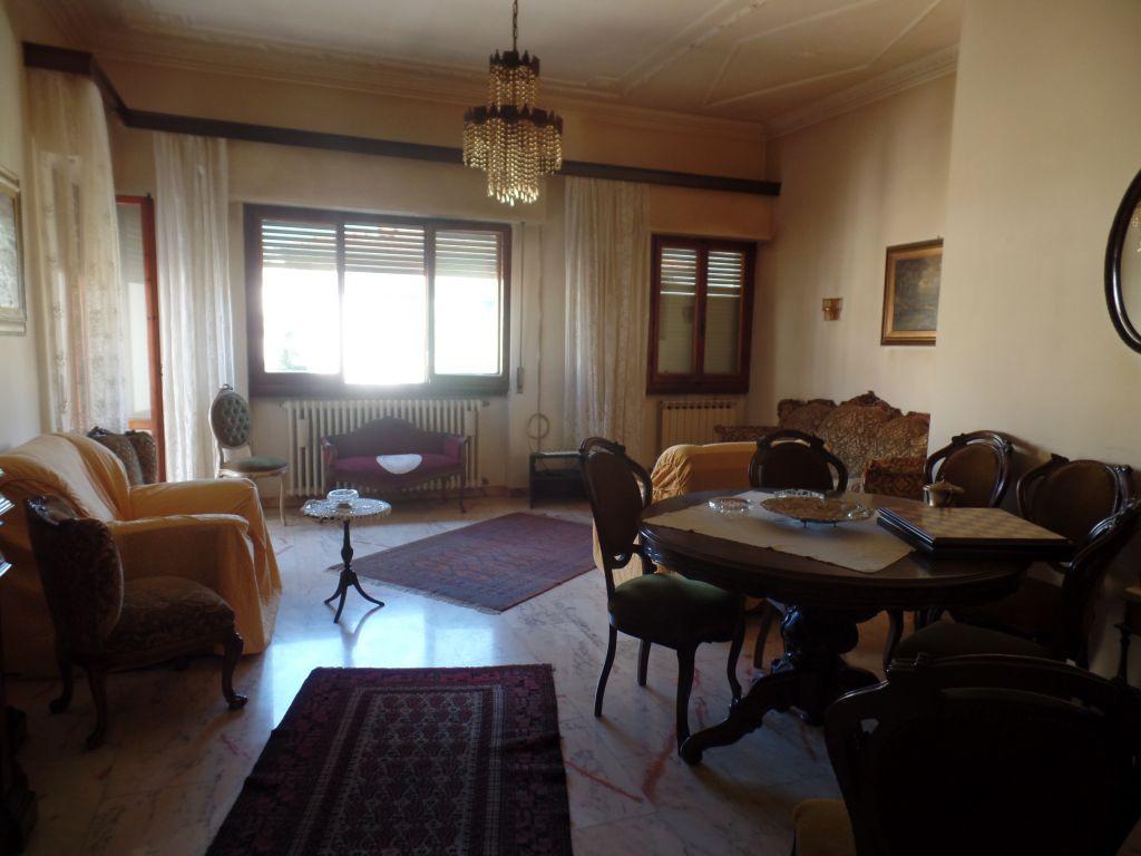 Soluzione Indipendente in vendita a Montevarchi, 6 locali, prezzo € 370.000 | Cambio Casa.it