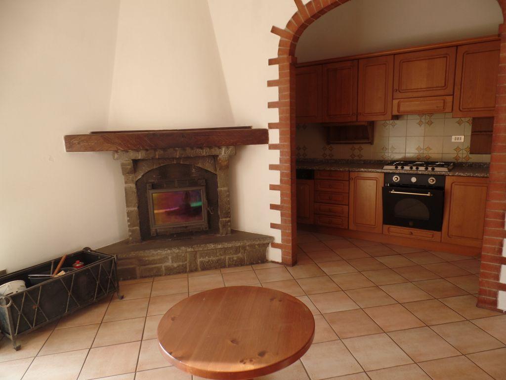 Appartamento in vendita a Loro Ciuffenna, 4 locali, prezzo € 125.000 | Cambio Casa.it