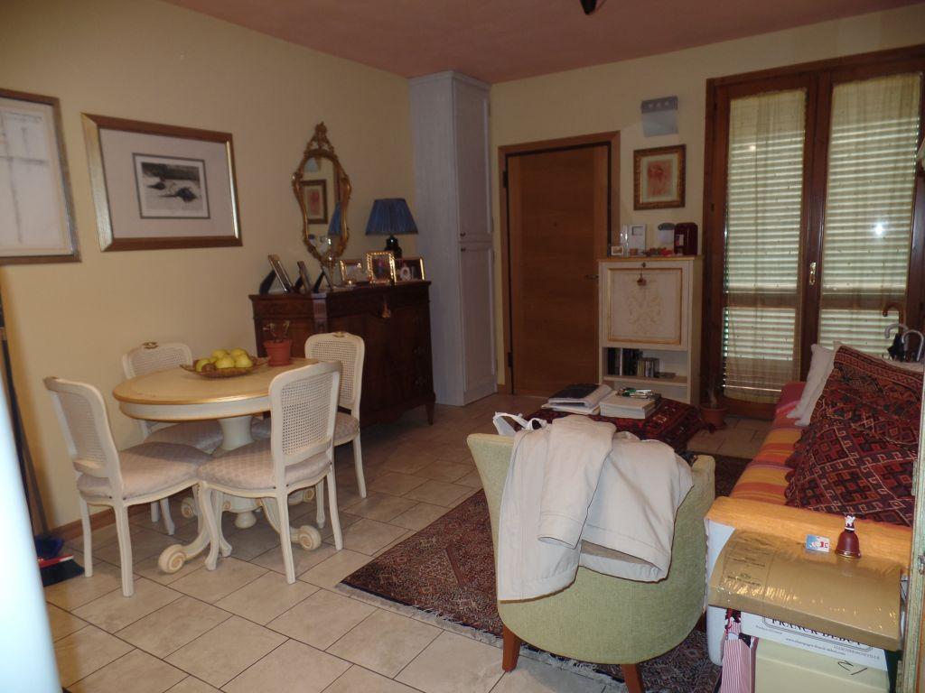Appartamento in vendita a Loro Ciuffenna, 3 locali, zona Zona: Centro, prezzo € 130.000   Cambio Casa.it