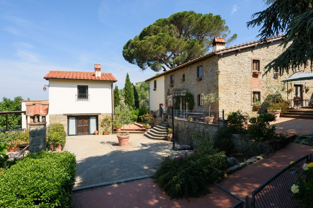 Rustico / Casale in vendita a Reggello, 3 locali, Trattative riservate | CambioCasa.it