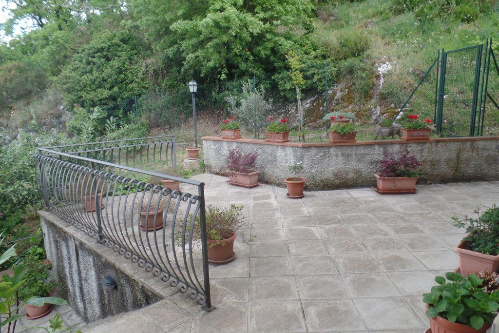 Villa in vendita a Bucine, 7 locali, zona Zona: Mercatale, prezzo € 395.000 | CambioCasa.it